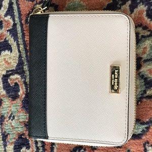 Kate spade darci laurel way wallet